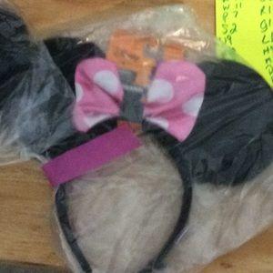 Disney Minnie Mouse ears polka dot bow